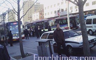 法制日逾千访民聚集央视 大批警察戒备