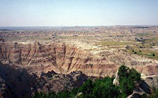 美國七大景觀:惡地及兩谷