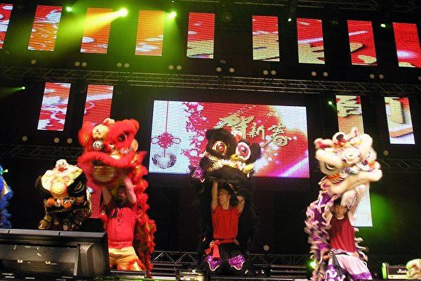 加拿大移民部長與華人共慶新年