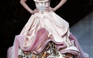 組圖:2009巴黎春夏裝豪華服裝展-Christian Dior