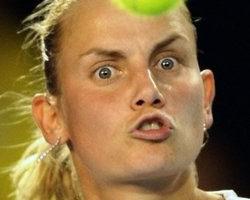 澳網女單 莎菲娜險勝杜琪克 挺進準決賽