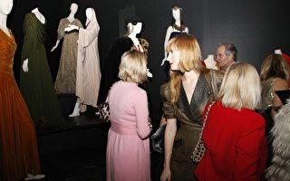 【图片新闻】纽约举办名人时装展览