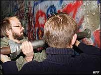 BBC记者回顾20年前东欧剧变