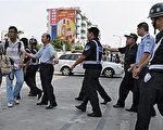 深圳警察要求記者離開921大火發生現場43人在事故中喪生(法新社)