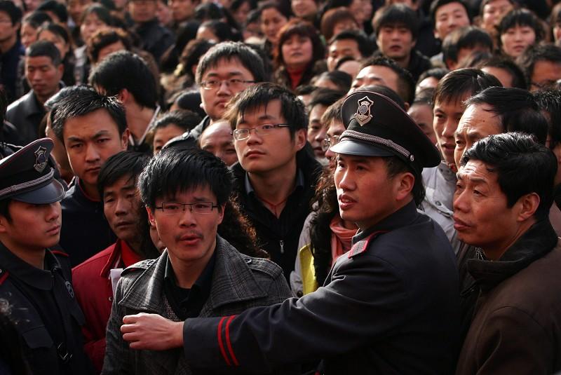中共發文嚴防規模性失業抗爭 預示失業潮?