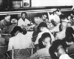 1959 年夏中共召开庐山会议,毛泽东将反对大跃进的彭德怀打成反党集团。 /网络图片