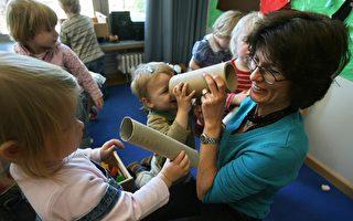 研究:丰富的手势可增加幼儿词汇量