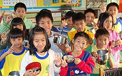 高縣茂林國小免費早餐  學生頭好壯壯