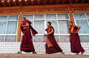 藏僧跳河死 加拉寺僧人:当局禁谈抗议