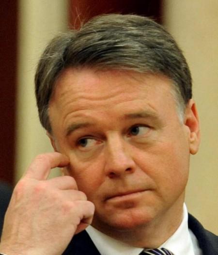 接受華商資助訪華 澳國防部長秘而不報