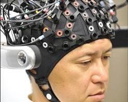 腦波控制 機器人更聽話