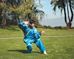 """李有甫拜过多名武术名师,也练过多种门派的武功,除了""""太极拳""""之外,他也是""""八卦掌""""高手。(大纪元)"""