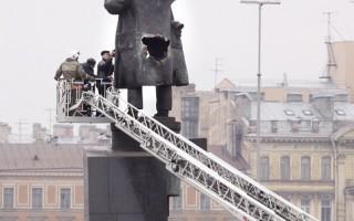 俄罗斯频传列宁雕像遭毁坏