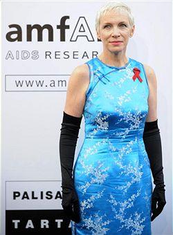 組圖:安妮偏愛中國風 蘇格蘭天后穿旗袍亮相
