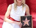 女星卡梅隆·迪亚兹(Cameron Diaz)留名星光大道。(图/Getty Images)