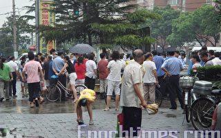 快訊:因上海世博會 小販遭衝擊不滿堵路抗議
