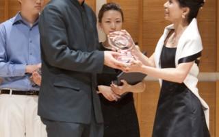 组图:2009全世界华人小提琴大赛银奖得主林品任风采