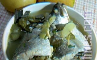 【健康轻食料理】鲈鱼豆腐酱瓜汤