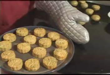 月饼(图片提供:新唐人电视台)