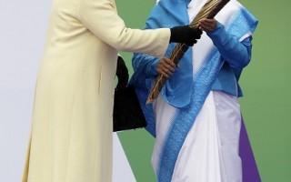 最長接力賽 印度總統承接英女王詔書