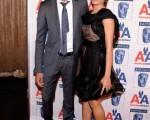 《貧民富翁》男女主演戴夫·帕特爾(Dev Patel)、芙蕾達·平托(Freida Pinto)一起亮相頒獎禮。(圖/Getty Images)