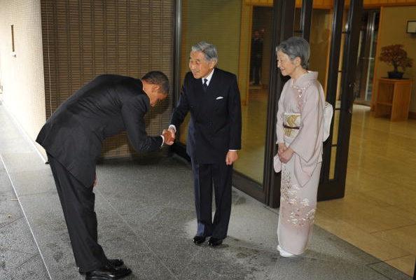 奥巴马向日皇鞠躬风波  日专家称行为合宜