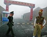 中國與印度邊界(DIPTENDU DUTTA/AFP/Getty Images)