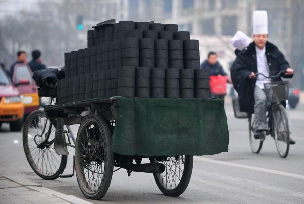 浙江一家熟食店因烧蜂窝煤 遭当局重罚3万