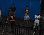 無錫市錫山區政府於2009年在羊尖鎮搞商業開發,在與原住居民協商無果的情況下,僱傭黑社會人員對居民們進行騷擾、恐嚇及人身攻擊。(大紀元)