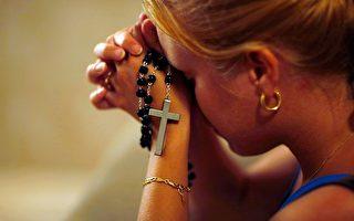 關掉手機 美大學生晚禱體驗靜默