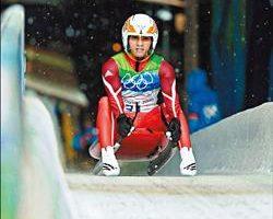 雪白极速世界中 马志鸿不怕摔、伤