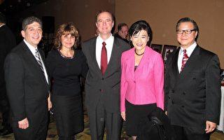 YMCA为国会议员谢安达颁发社区爱心奖