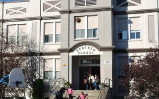 温哥华学校局出台削减1800万开支方案