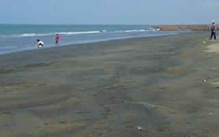 吸睛的夏日夢幻工作 海灘「防曬員」!
