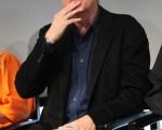 导演詹姆斯-卡梅隆(James Cameron)出席某环保公益活动发布会,与部落原住民共同探讨原住民居住环境保护问题。 (图/Getty Images)