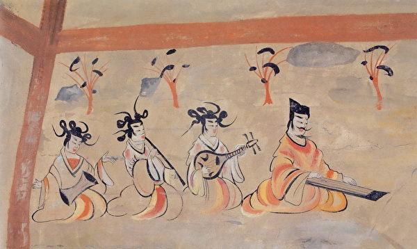 北朝佚名壁畫,縱70厘米橫78厘米,甘肅酒泉丁家閘北涼墓。(左起儀器):細腰鼓,長笛,阮鹹琵琶,古琴。(公有領域)