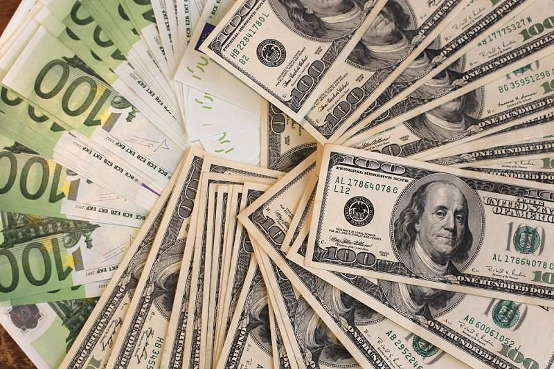 美智囊:中國外匯儲備不足 海外投資銳減五成