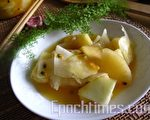 酸甜的凤梨辉映百香果的香酸以及青木瓜的脆爽(摄影:杨美琴/大纪元)