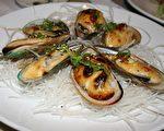 图:日本餐厅各有特色,UMI SUSHI,菜式多,料理手法一流,烹调方法独树一格,优美的进食环境,温馨的享受。(摄影:袁玫/大纪元)