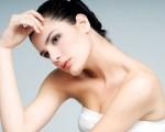 有一种说法:面部皮肤过于黝黑的女性,洗脸和洗澡时在水中加一点醋,久而久之,皮肤就会变白。