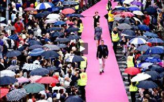 丹麥步行街上演世界最長時裝走秀