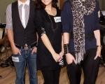曹格、謝安琪及周麗淇為周日舉行的「新城邁向20聲光綻放音樂會」綵排。(圖/大紀元)