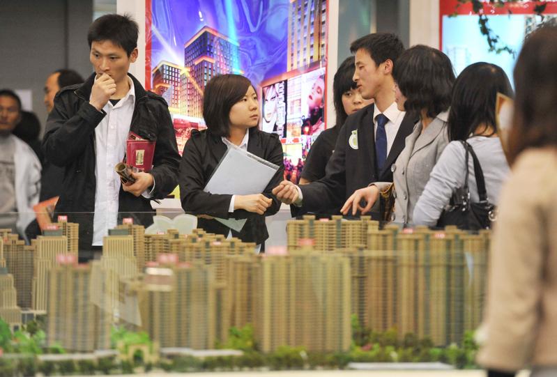 大陸房企掀降價潮 分析:以價換量保資金流