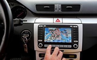 GPS惹禍 加拿大女子駕車開進寒冷湖中