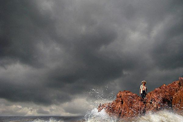台风鲶鱼重创福建 13级大风撕毁两千渔船