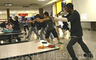侨教中心向休市高中介绍台湾文化