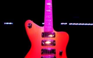 就是要摇滚 革命版电吉他问世