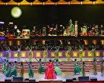 彭麗媛2007年在香港參加演出,中共接班人浮出檯面,他與明星妻子婚姻的網路文章也「被」消失。(TED ALJIBE/AFP/Getty Images)
