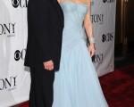 影帝邁克爾·道格拉斯(Michael Douglas)與妻子凱瑟琳·澤塔·瓊斯(Catherine Zeta-Jones),之前兩人恩愛出席各場合與參加活動的照片。(圖/Getty Images)