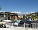 圖:統計表明2010年10月南加房市繼續下跌,圖為洛杉磯市東部某新建社區。(攝影:劉菲/ 大紀元)
